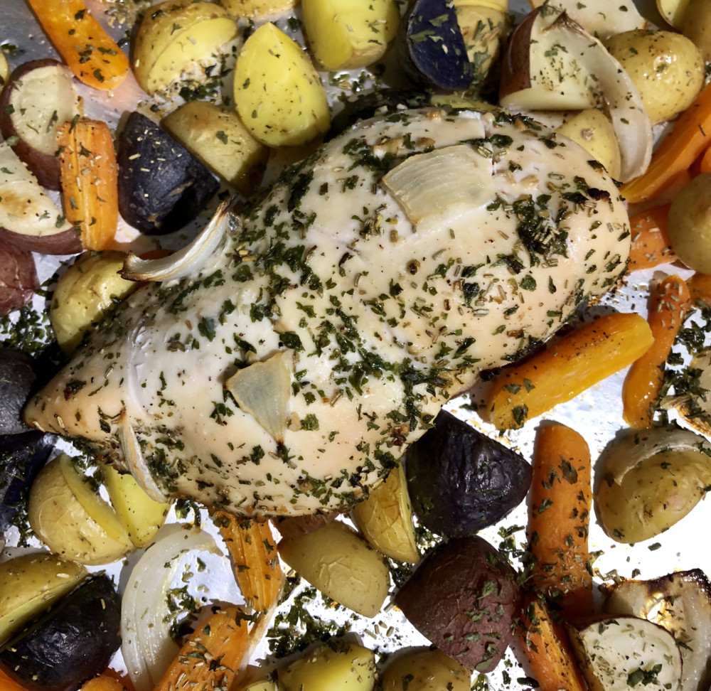 Skillet Chicken With Roasted Potatoes Carrots Recipe: Sheet Pan Herb Chicken With Roasted Potatoes And Carrots